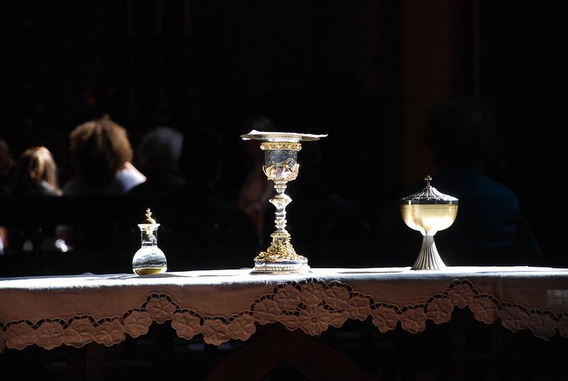 La mensa eucaristica dell'altare